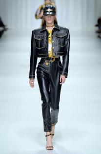 versace-rtw-spring-2018-milan-fashion-week-mfw-014.jpg