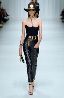 versace-rtw-spring-2018-milan-fashion-week-mfw-033.jpg