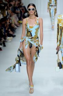 versace-rtw-spring-2018-milan-fashion-week-mfw-037.jpg