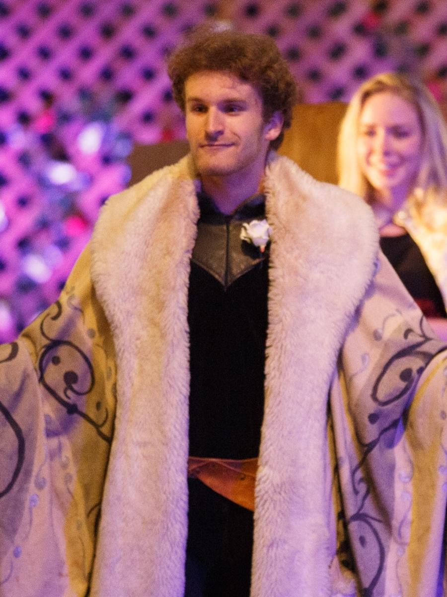Noah Bennett (Winter Director)