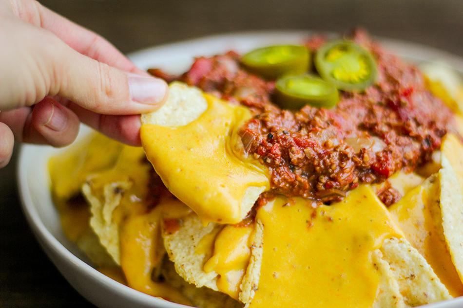 Vegan Chili Cheese Nachos-21.jpg
