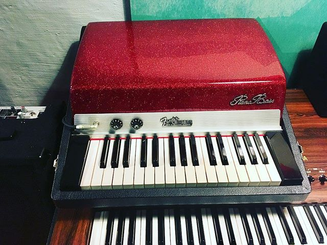 A birthday gift from our #1 fan—A beautiful red sparkle custom lid for the coolest instrument ever. Bravo @vintagevibe You do great work! #pianobass #fenderrhodes #pdxmusic #birthdaypresent #red