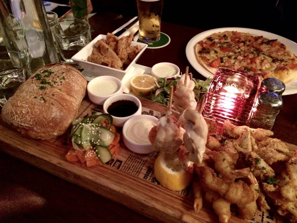 degree-bar-food-platter
