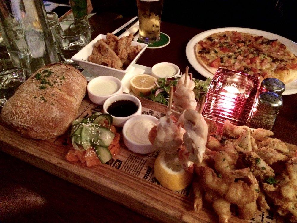 degree-bar-food-platter