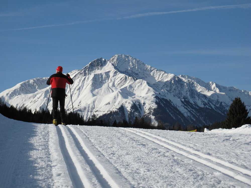 Skiing from Seefeld toward Hocheder Mountain