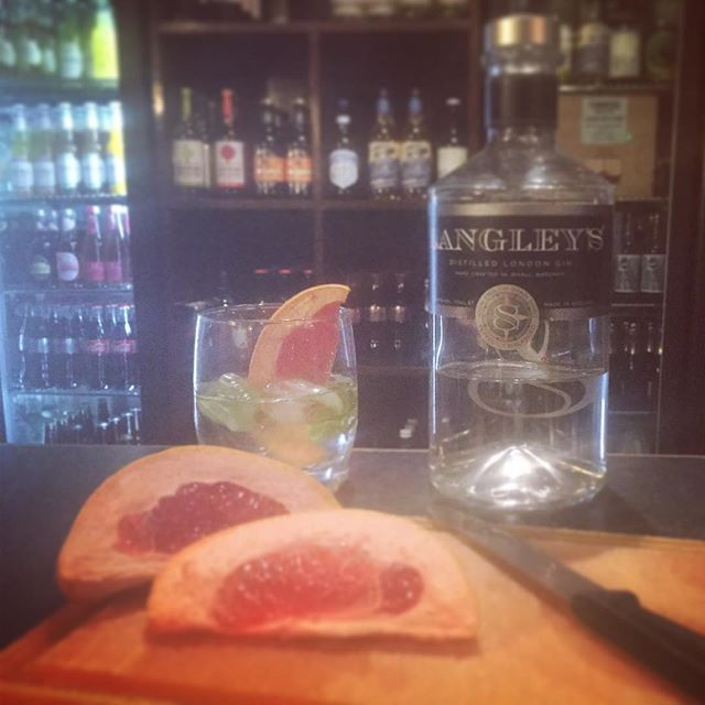 Our Gin this week is Langley's with basil and grapefruit. @langleysgin  #gin