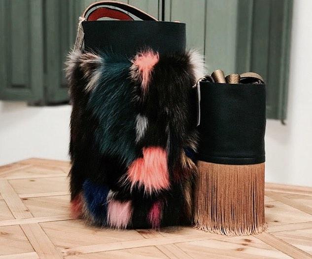 Uniques...❤️💙 get it at @flyingsolonyc, just in November #bestgive #spanishdesign #handmade #original #unique #craftedinspain #leathergoods #bags #comastore #marketplace #buyonline #onlineshopping #manhattan #popup #newyork #soho #nycstyle