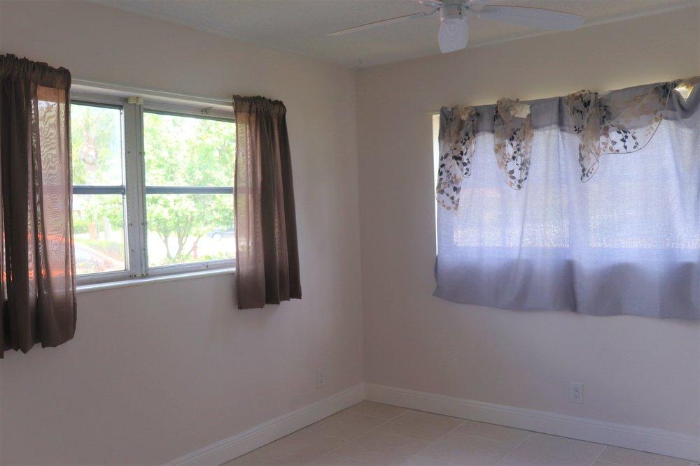 Guest Bedroom 5.JPG