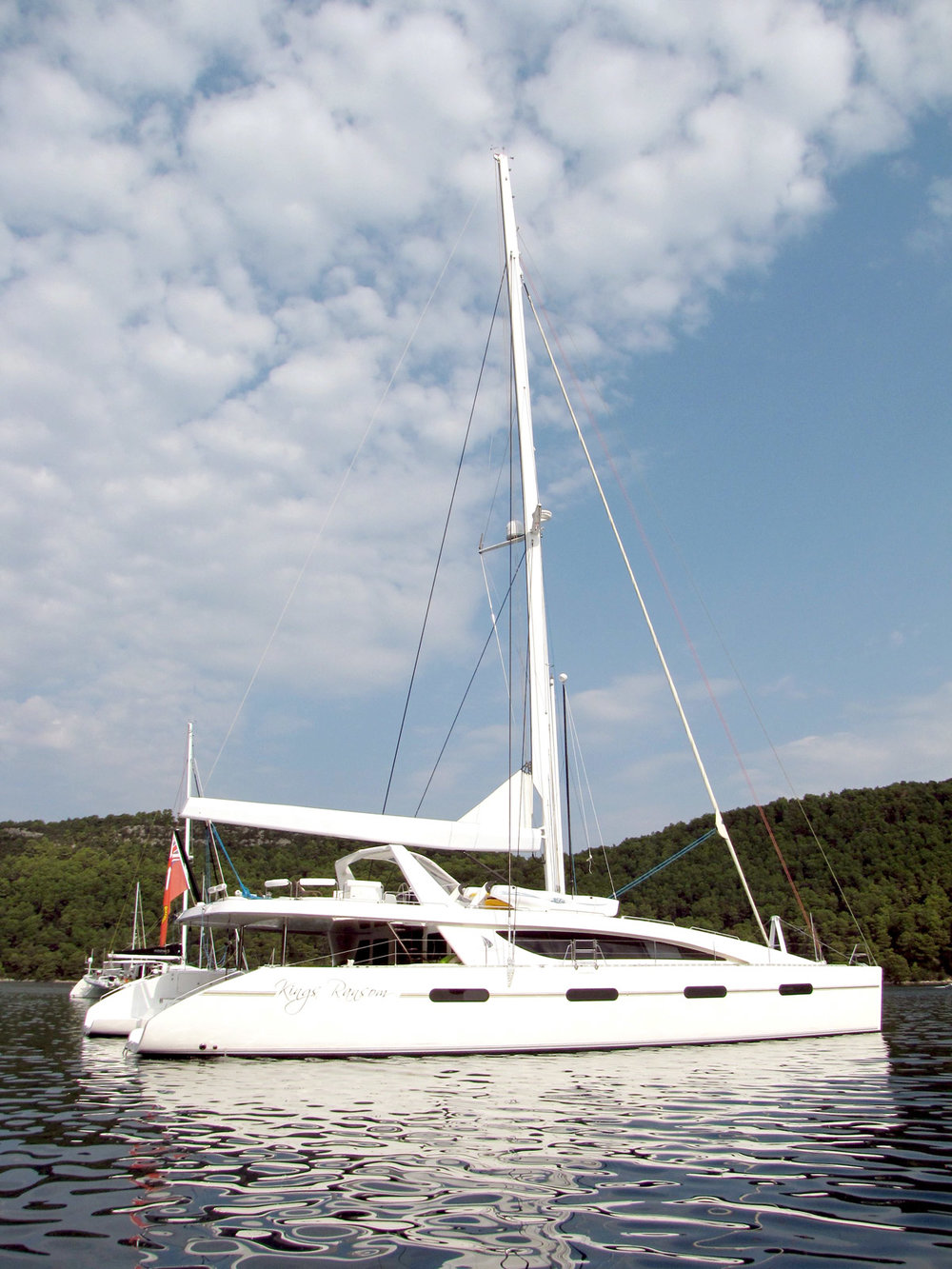 kings-ransom-catamaran-anchored.jpg