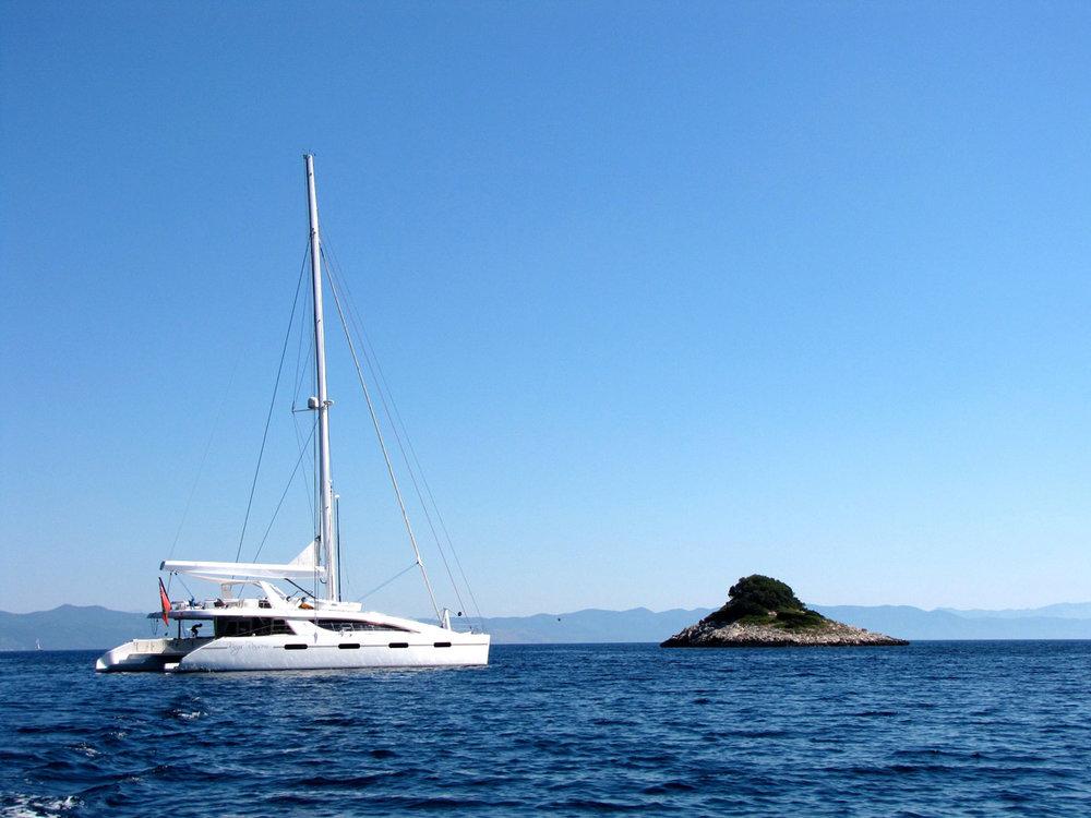 kings-ransom-catamaran-sea.jpg