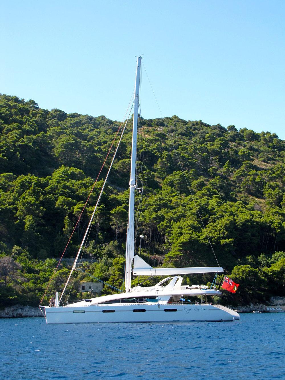 kings-ransom-catamaran-green.jpg