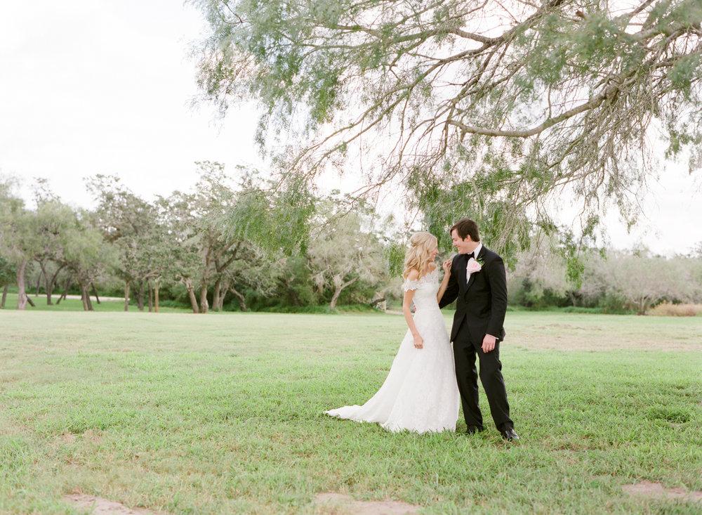 0022_Texas_Ranch_Wedding_Photographer.jpg