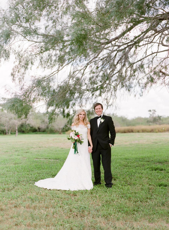 0024_Texas_Ranch_Wedding_Photographer.jpg