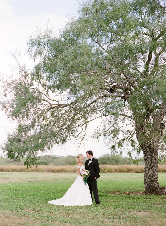 0025_Texas_Ranch_Wedding_Photographer.jpg