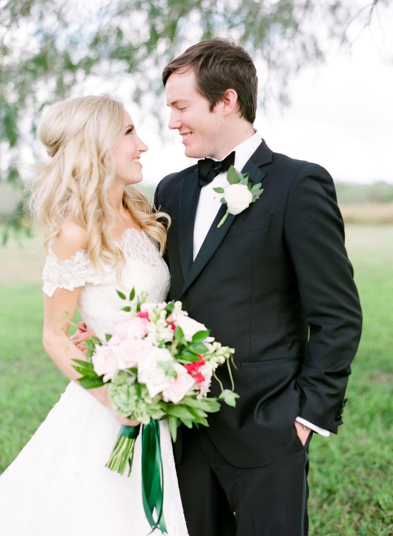 0028_Texas_Ranch_Wedding_Photographer.jpg