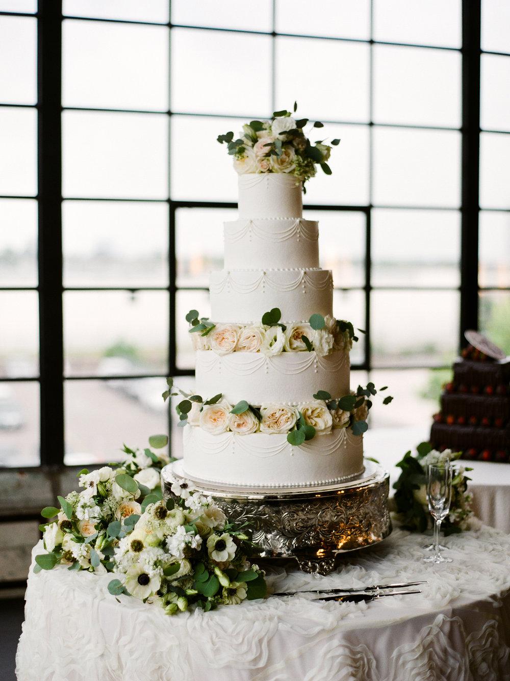 0029_St_Martin_Houston_Wedding_The_Astorian.jpg