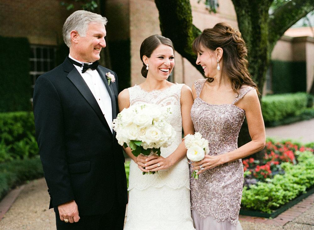 0022_Houston_Country_Club_Wedding_Photographer.jpg