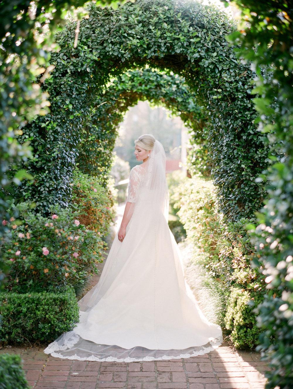 0002_0002_Houston-River-Oaks-Film-Bridal-Photographer.jpg