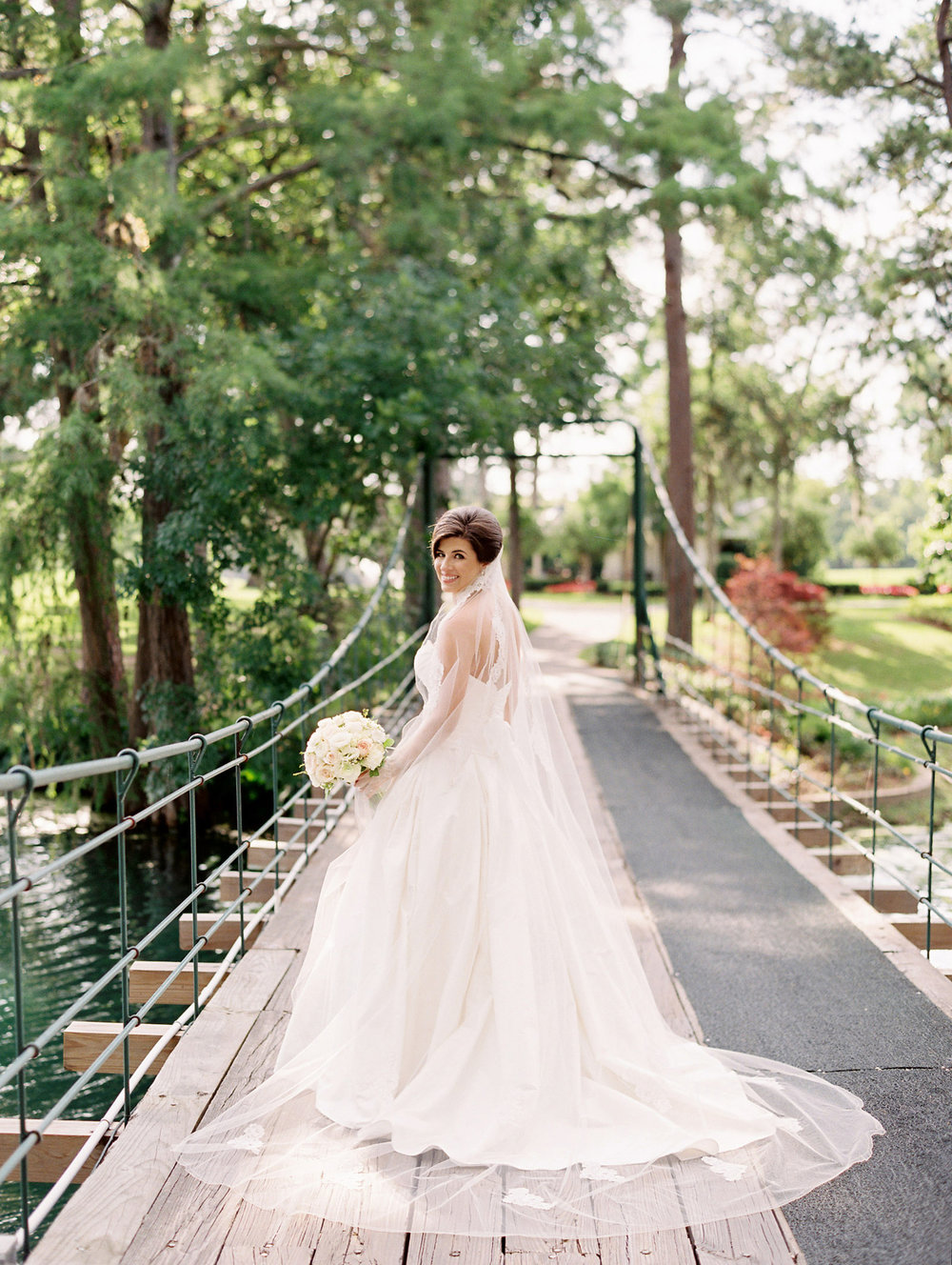 0021_0013_Houston-Lakeside-Country-Club-Film-Bridal-Photographer.jpg