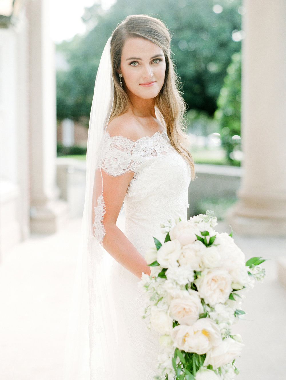 0028_0107__StLukes_Texas_Film_Wedding_Photographer.jpg