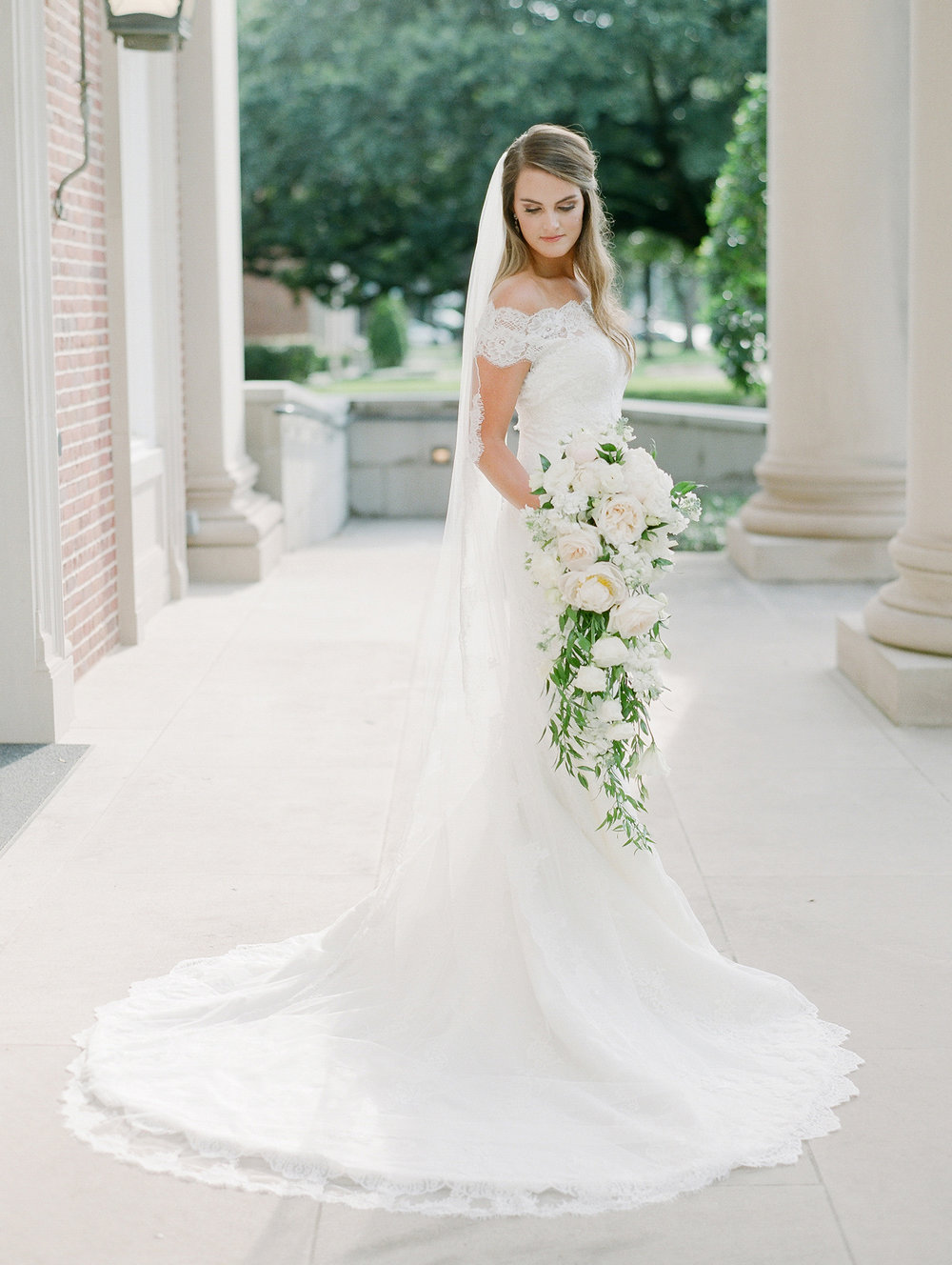 0062_0113__StLukes_Texas_Film_Wedding_Photographer.jpg