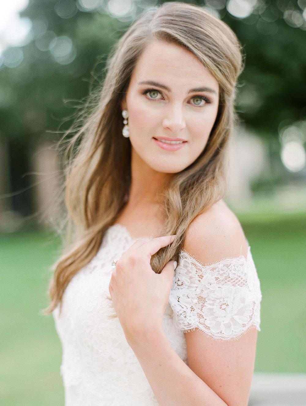 0074_0115__StLukes_Texas_Film_Wedding_Photographer.jpg