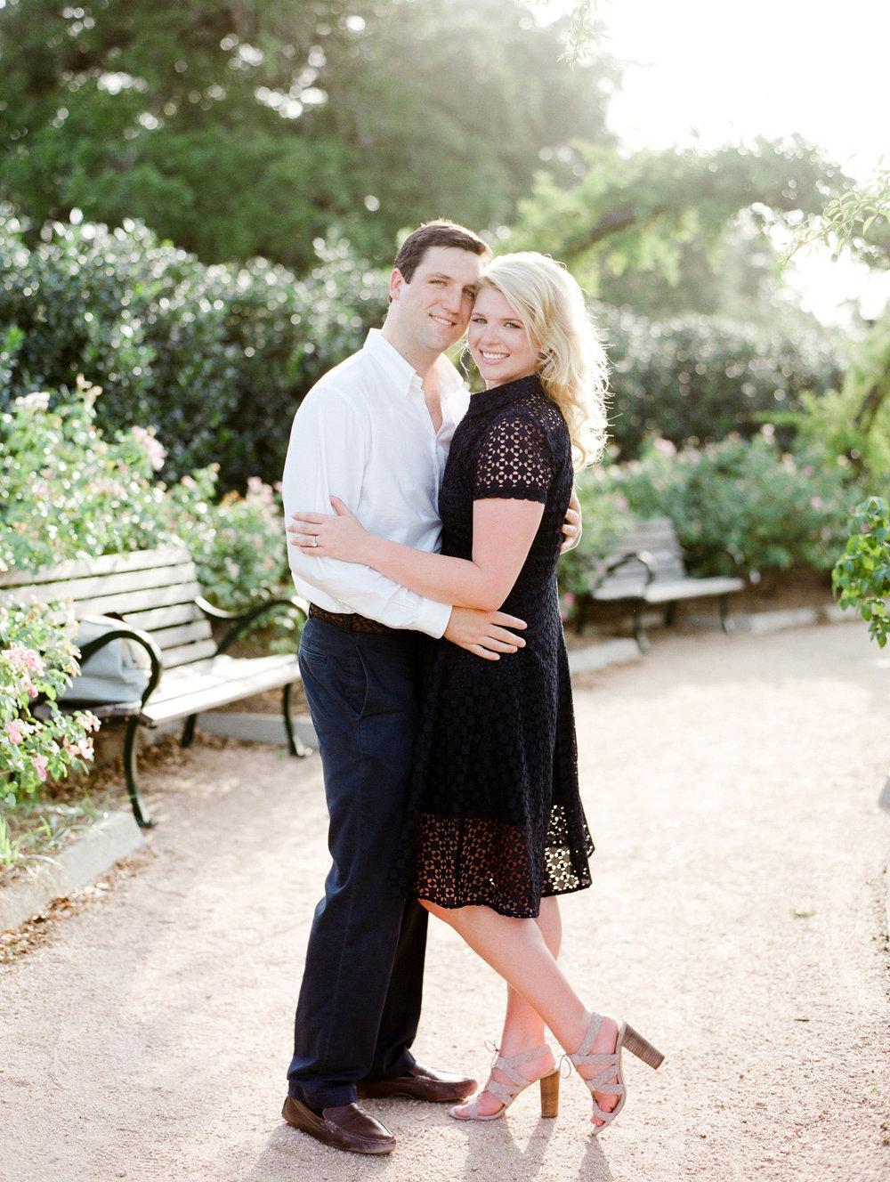 0004-Houston-Centennial-Gardens-Engagement-Photographers.jpg