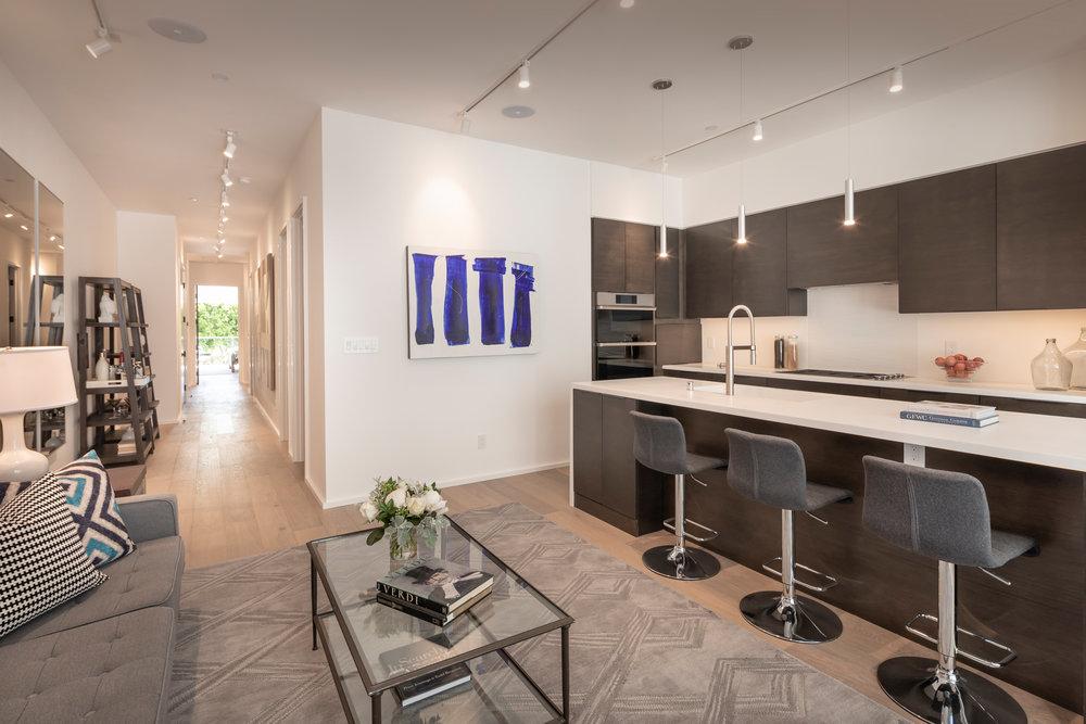 Kitchen_Hallway_3816.jpg