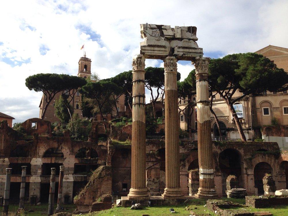 columns-arches-roman-ruins.jpg