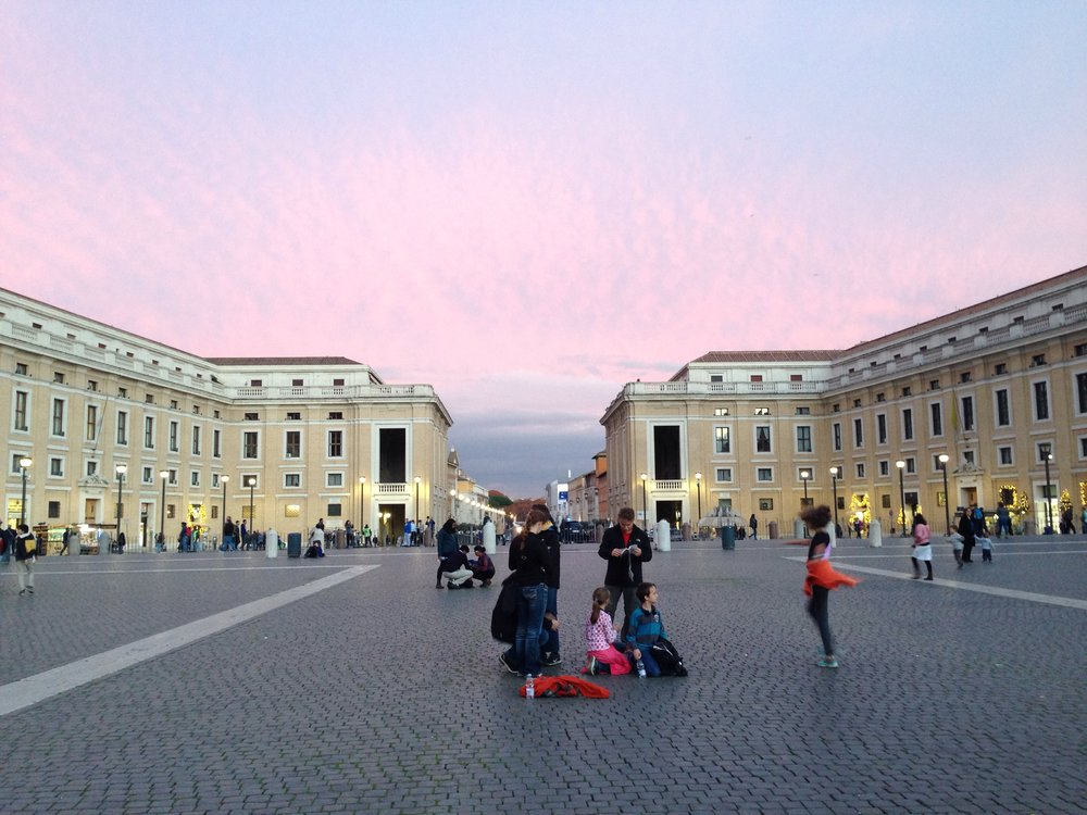 st-peters-square-sunset-rome-italy-family-travel.jpg