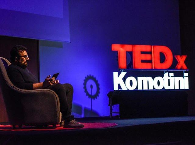 """Δημήτρης Μιχάλαρος : """"Η σύγχρονη τέχνη αποτελεί τη σύγχρονη ταυτότητα του πολιτισμού"""". Η ομιλία του Έλληνα εικαστικού, διαθέσιμη στα κανάλια μας στο Facebook και Instagram! 💡#tedxkomotini #tedxkomotini17 #revolutionoflogic #tedx #ideas #worthspreading #speaker #speech #videos #komotini #rodopi"""