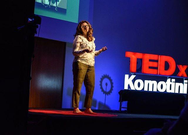 """""""Ζούμε σε μια κοινωνία μοναχικών ηρώων"""", μας λέει η Storyteller Αγαθη Δαρλαση, στην ομιλία της στο TEDxKomotini. Θέλετε να μάθετε πως επηρεάζεται η καθημερινότητα μας απο τις ιστορίες? Παρακολουθήστε την ομιλία στο κανάλι tedxtalks στο YouTube 💡 #tedx #TedxKomotini #revolutionoflogic #komotini #ideas #worthspreading #tedxspeaker #storytelling #storyteller #hero"""