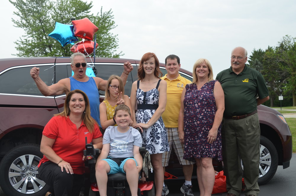 All smiles today in Green Bay! Sue Scroggins, Director of Finance and Operations, was in Wisconsin today to present the van on behalf of Jett Foundation.