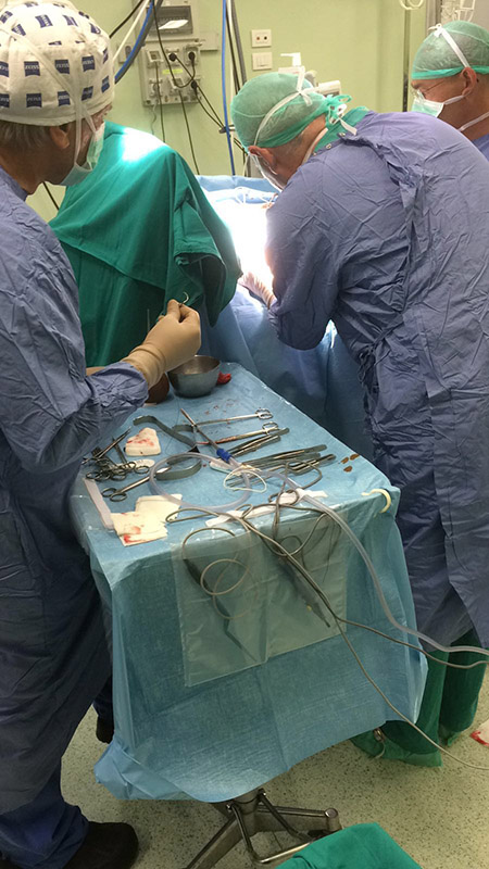 1-dottor-massimo-massarella-medico-chirurgo-specializzato-in-ortopedia-e-traumatologia-di-mano-e-polso-chirurgia-del-gomito.jpg