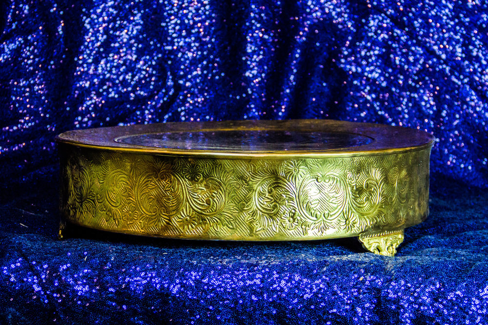 Round Gold scroll Stand Large