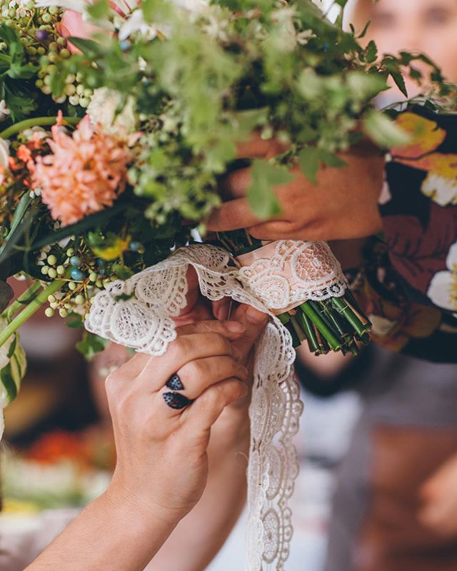 Details  #flowerstagram #tulipinaworkshop #tulipinaitalia @sweetphotofactory_wedding
