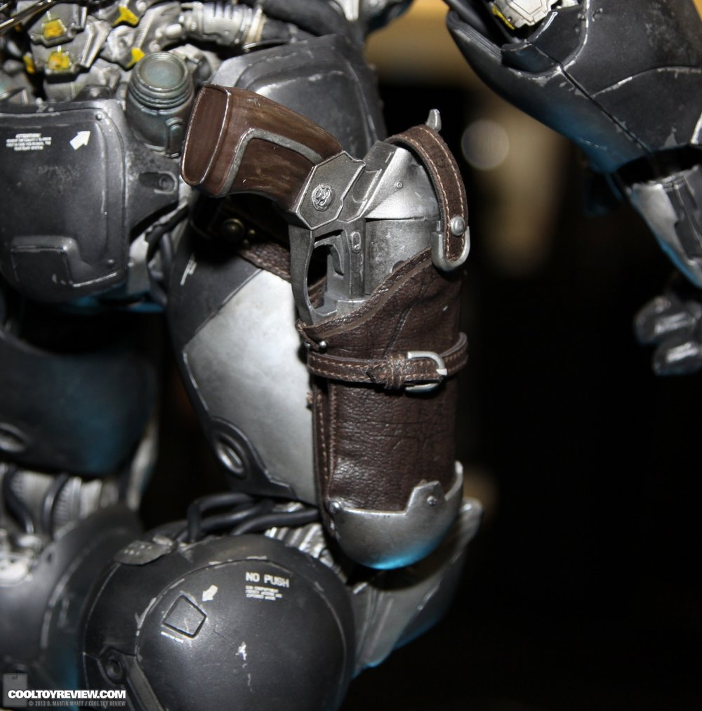 Starcraft-Marine-Raynor-SDCC_2013_Sideshow_Collectibles_Wed-020_o.jpg