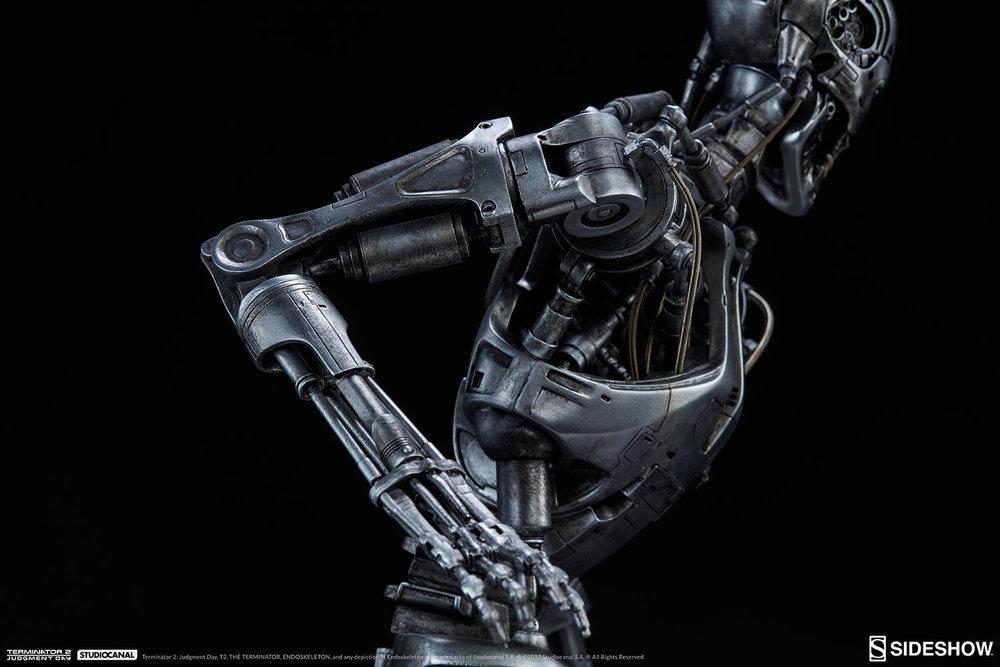 terminator-2-terminator-t-800-endoskeleton-maquette-sideshow-300157-29.jpg