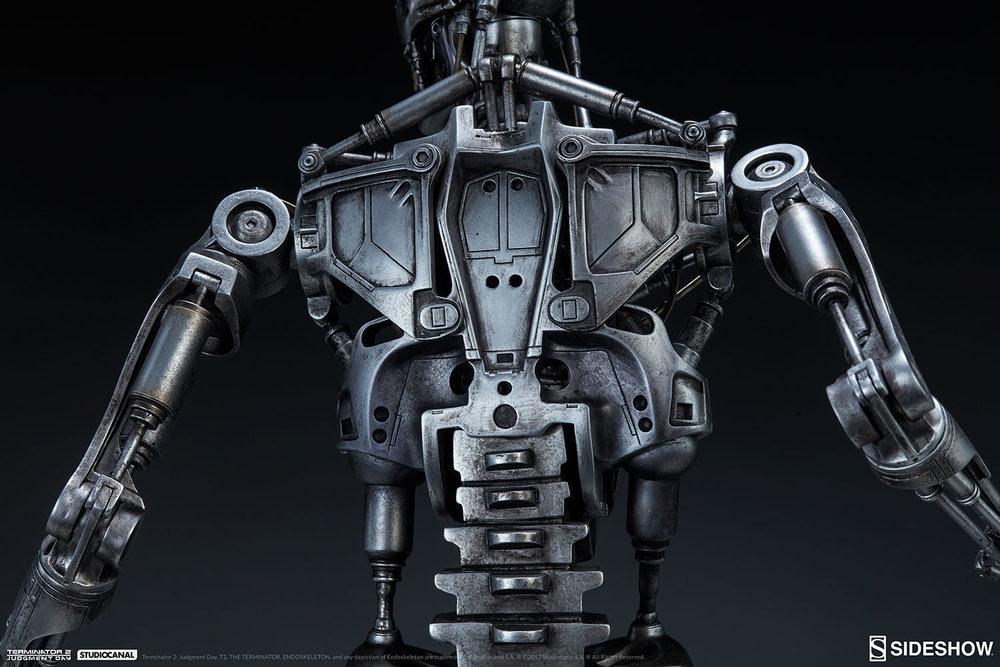 terminator-2-terminator-t-800-endoskeleton-maquette-sideshow-300157-27.jpg