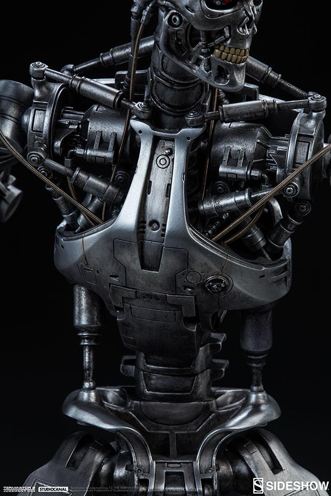 terminator-2-terminator-t-800-endoskeleton-maquette-sideshow-300157-25.jpg