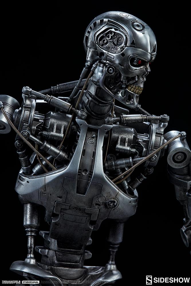 terminator-2-terminator-t-800-endoskeleton-maquette-sideshow-300157-23.jpg