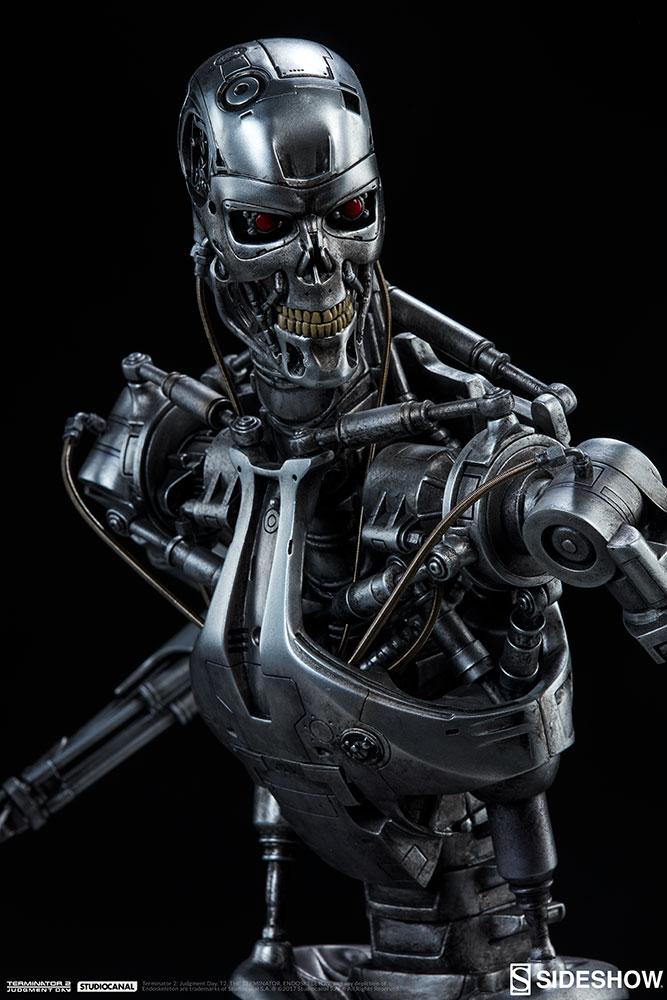 terminator-2-terminator-t-800-endoskeleton-maquette-sideshow-300157-21.jpg