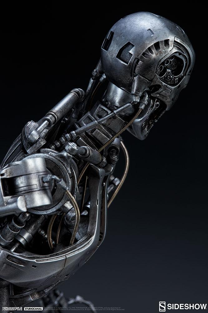 terminator-2-terminator-t-800-endoskeleton-maquette-sideshow-300157-20.jpg