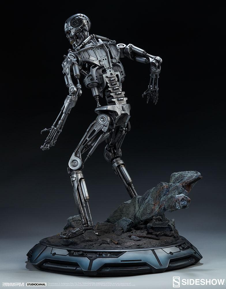 terminator-2-terminator-t-800-endoskeleton-maquette-sideshow-300157-16.jpg