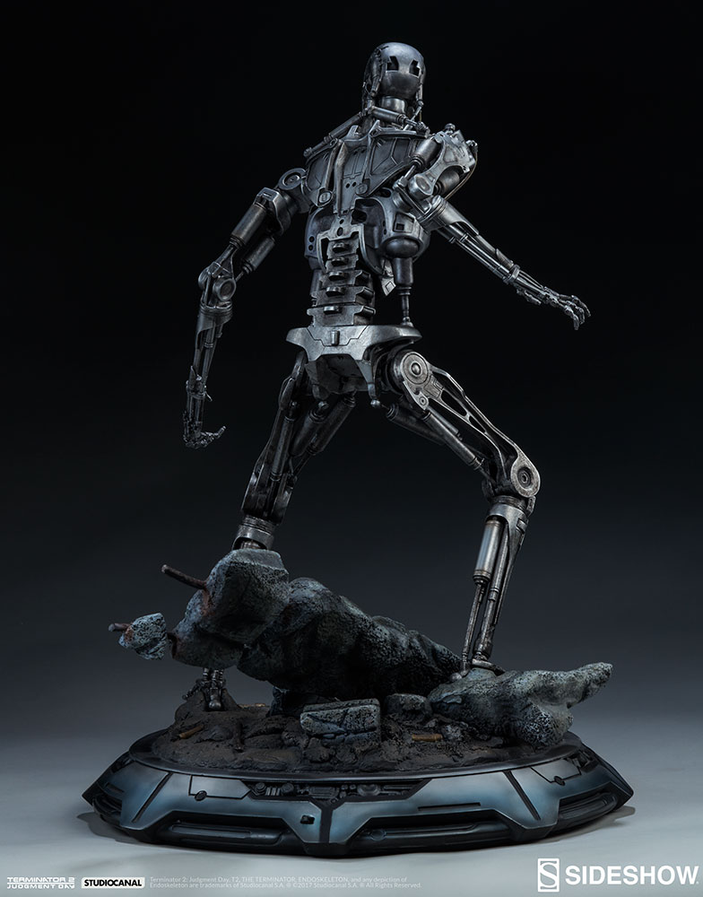 terminator-2-terminator-t-800-endoskeleton-maquette-sideshow-300157-14.jpg