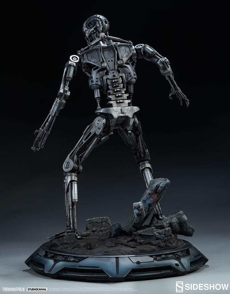 terminator-2-terminator-t-800-endoskeleton-maquette-sideshow-300157-15.jpg