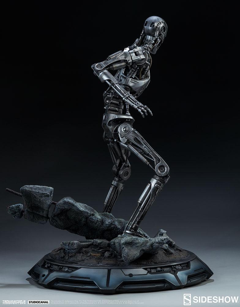 terminator-2-terminator-t-800-endoskeleton-maquette-sideshow-300157-13.jpg