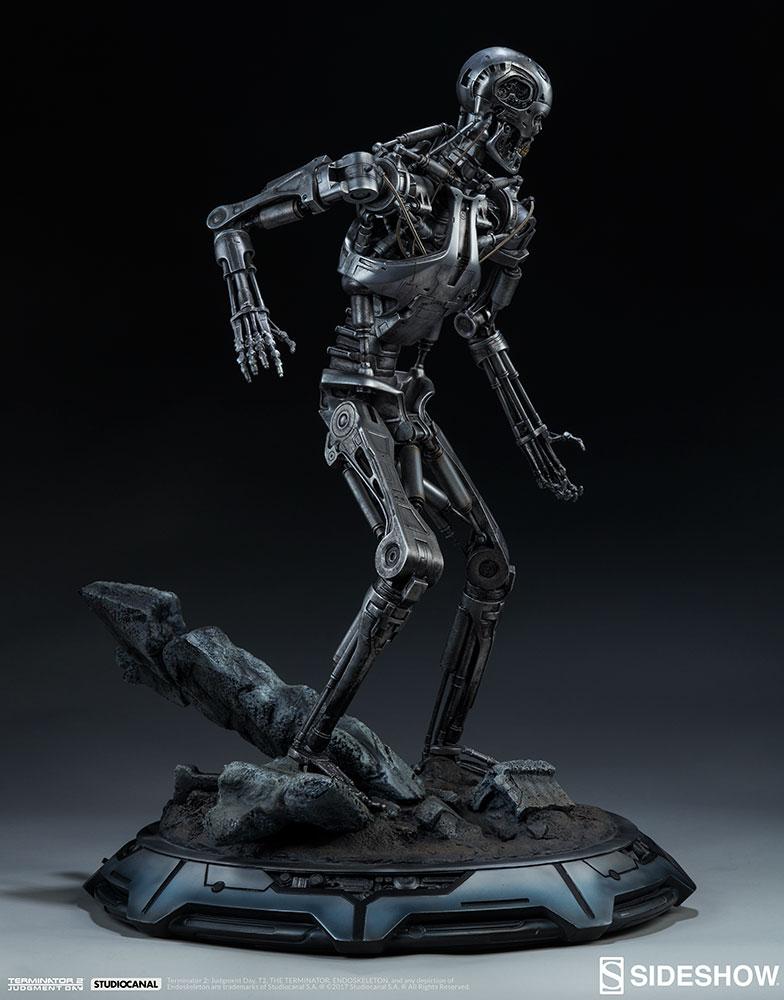 terminator-2-terminator-t-800-endoskeleton-maquette-sideshow-300157-12.jpg