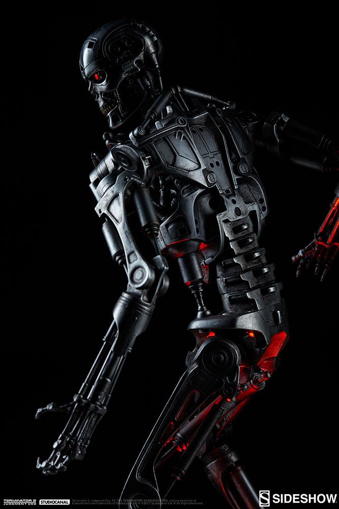 terminator-2-terminator-t-800-endoskeleton-maquette-sideshow-300157-07.jpg