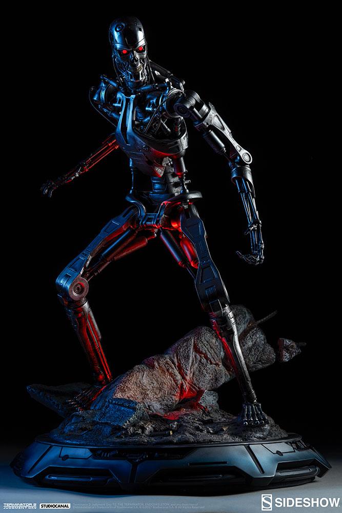terminator-2-terminator-t-800-endoskeleton-maquette-sideshow-300157-05.jpg